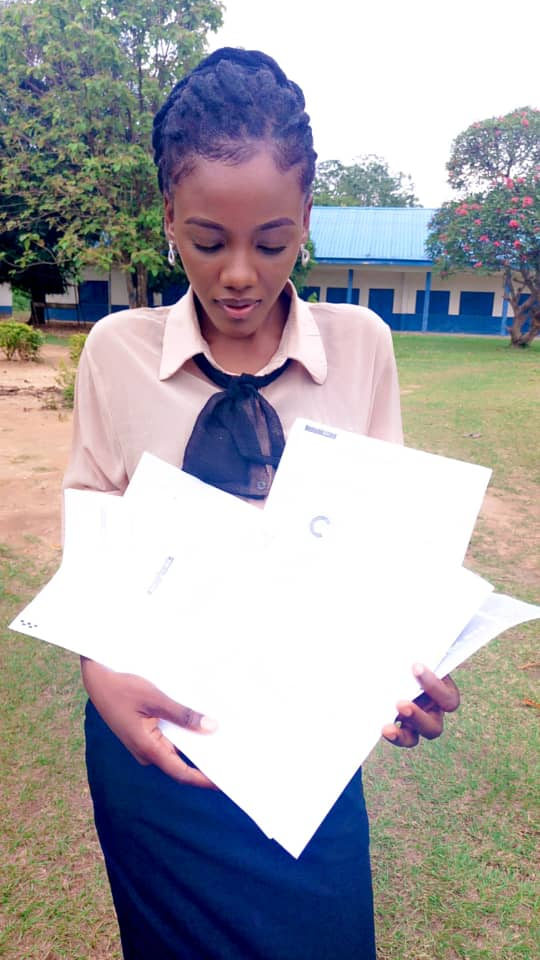 Nigerian Lady receives admission offer from 10 foreign universities